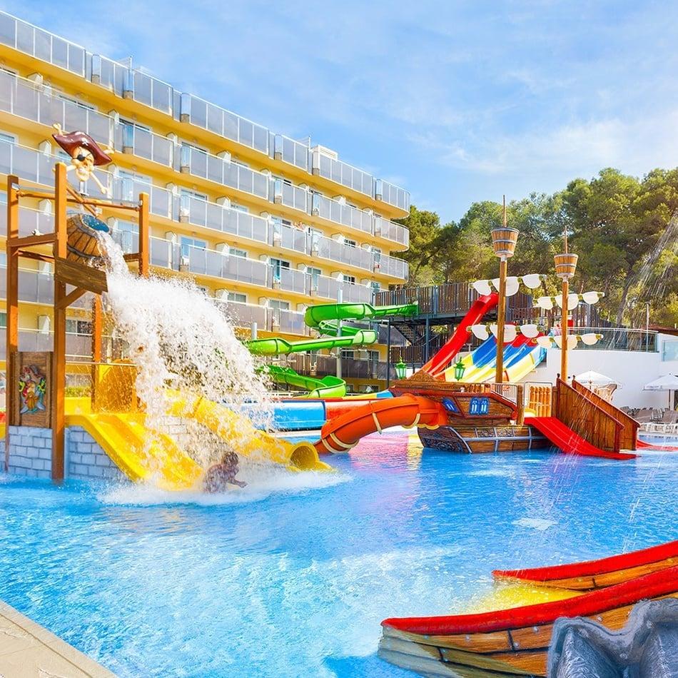 Hoteles con toboganes >