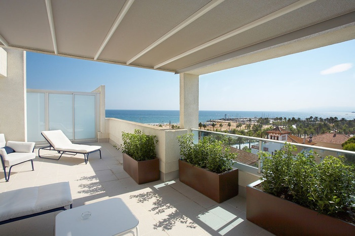 Suite Mediterranea Premium Club Ático Frontal