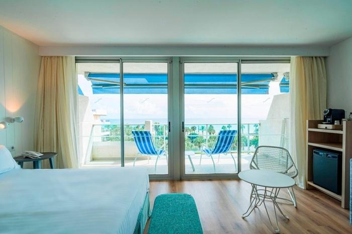 Suite Mediterranea Premium Vue Frontale Sur La Mer