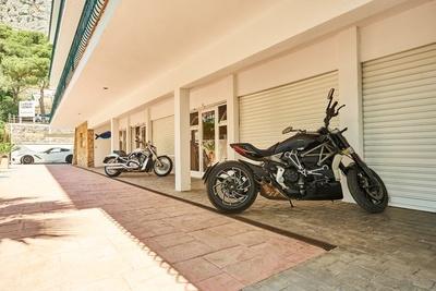 SPORTS & FUN - Parking motos