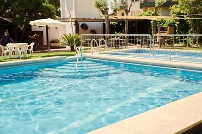 EL HOTEL - Piscina