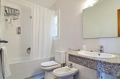 ROOMS - Bath