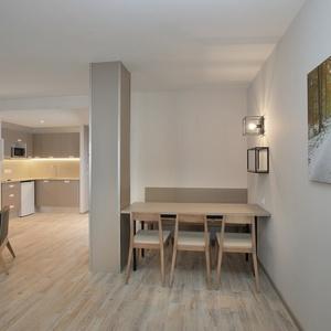 Apartments 4/6