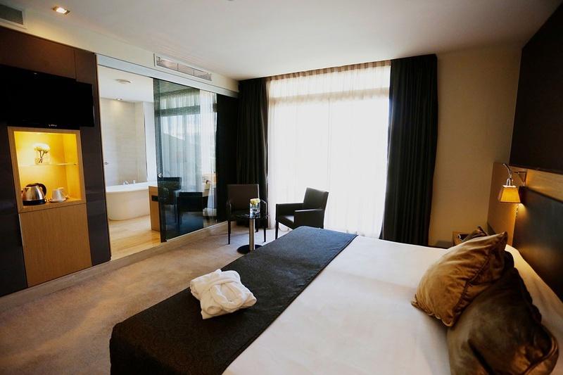 MORE SPACE, MORE COMFORT AND MORE MEMORIES Premium Room Sea View